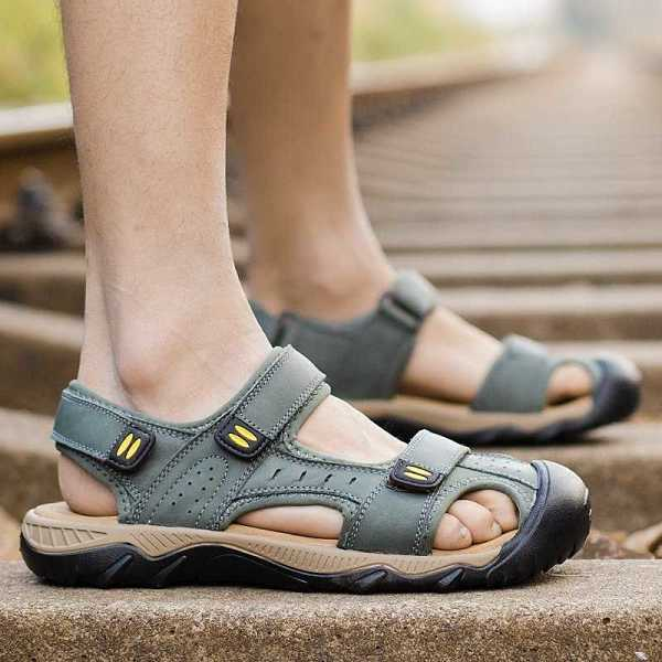 mens sandals in genuine leather with non slip