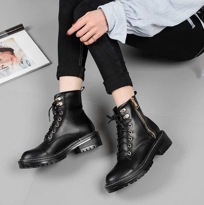 black trendy boots for women