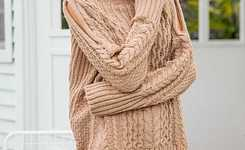 Looks with high neck knitted sweater