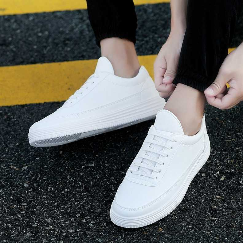 stylish sneakers in casual style for men 15