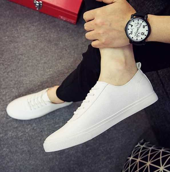 sneakers in casual style for men 14