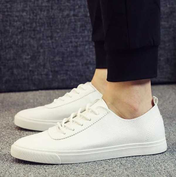 sneakers in casual style for men 16