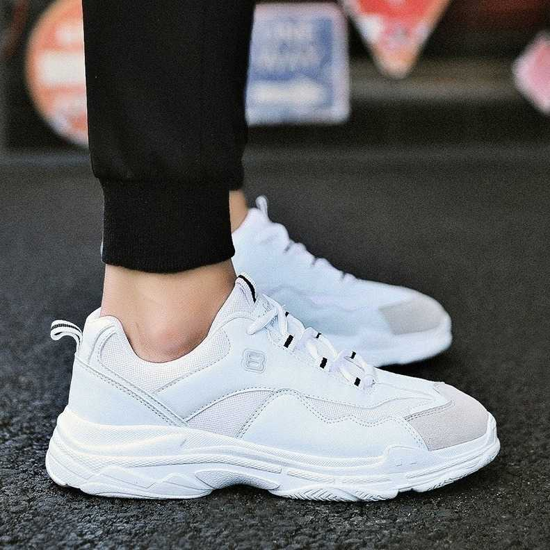 lightweight men sneakers with lace up