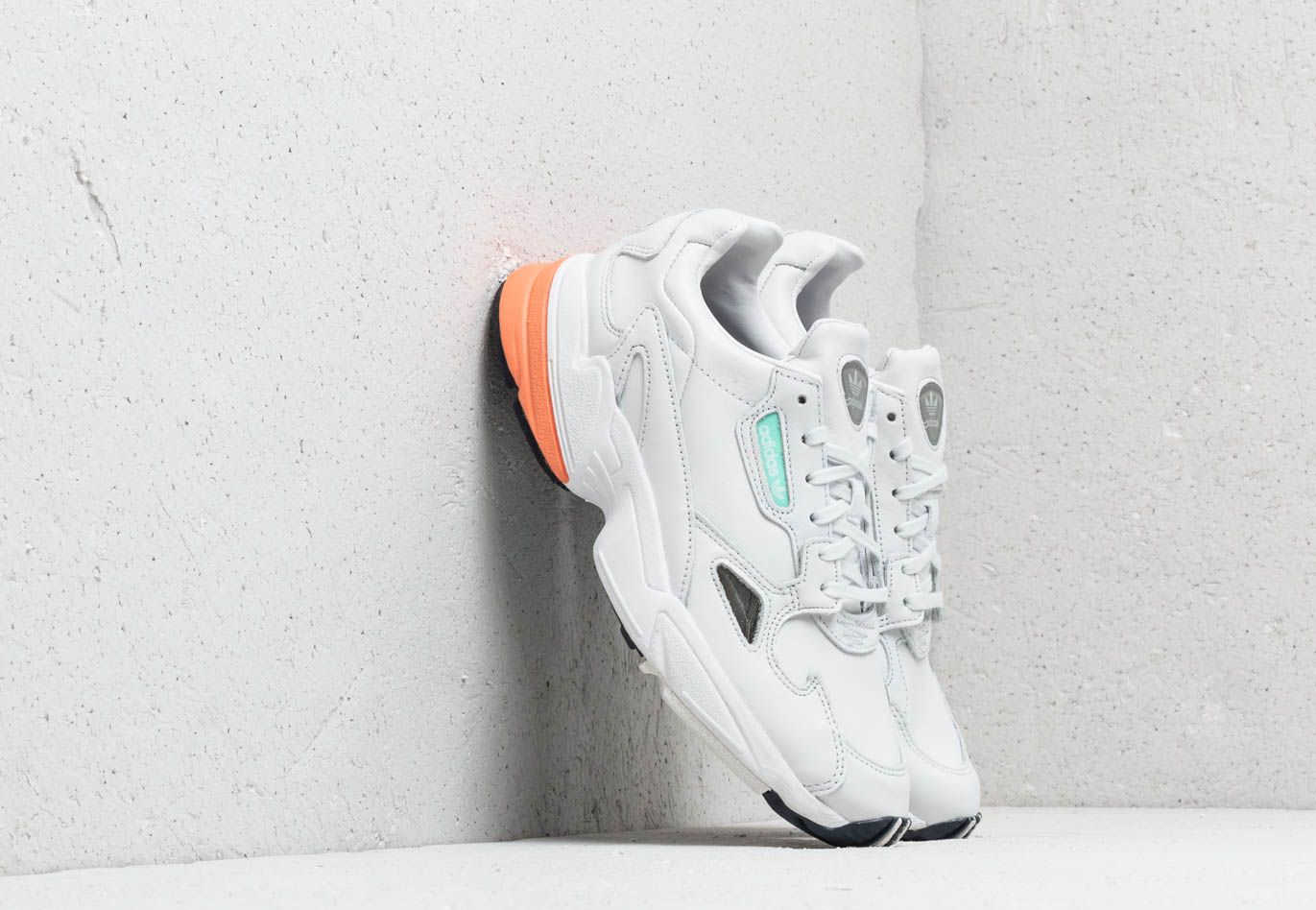 Genealogía Fuera Temporizador  adidas Falcon W Crystal White/ Crystal White/ Easy Orange Footshop ...