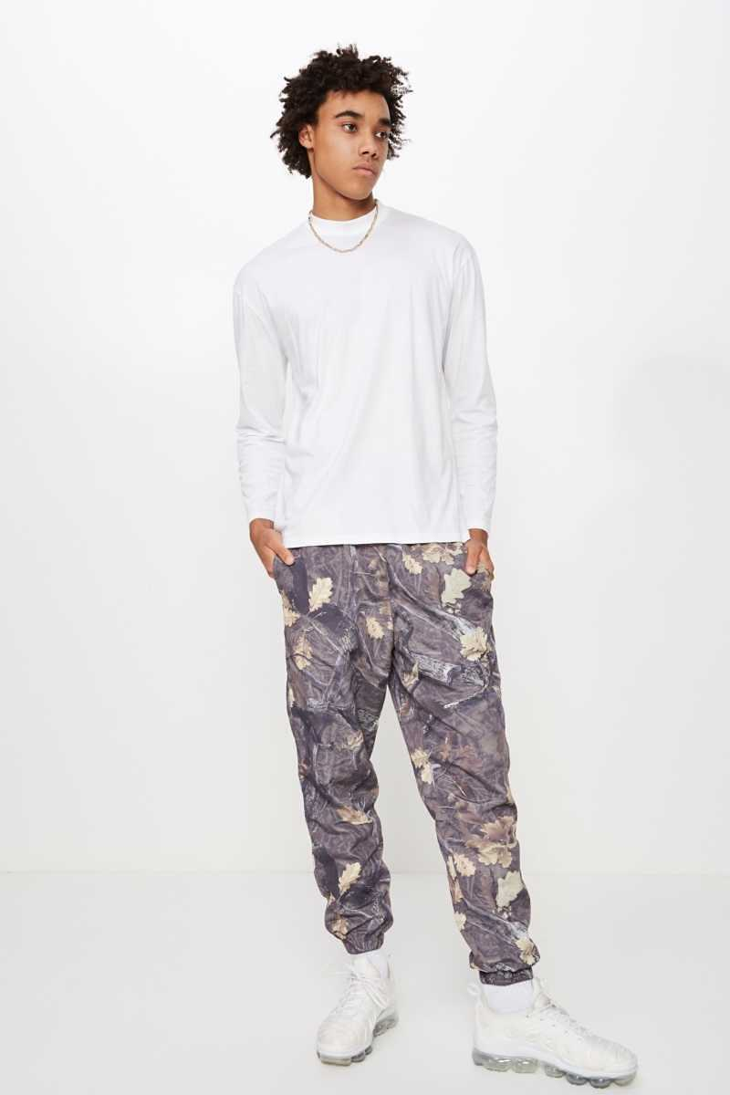 Factorie - Shell Track Pant - Woodlands camo - Cotton On - GOOFASH