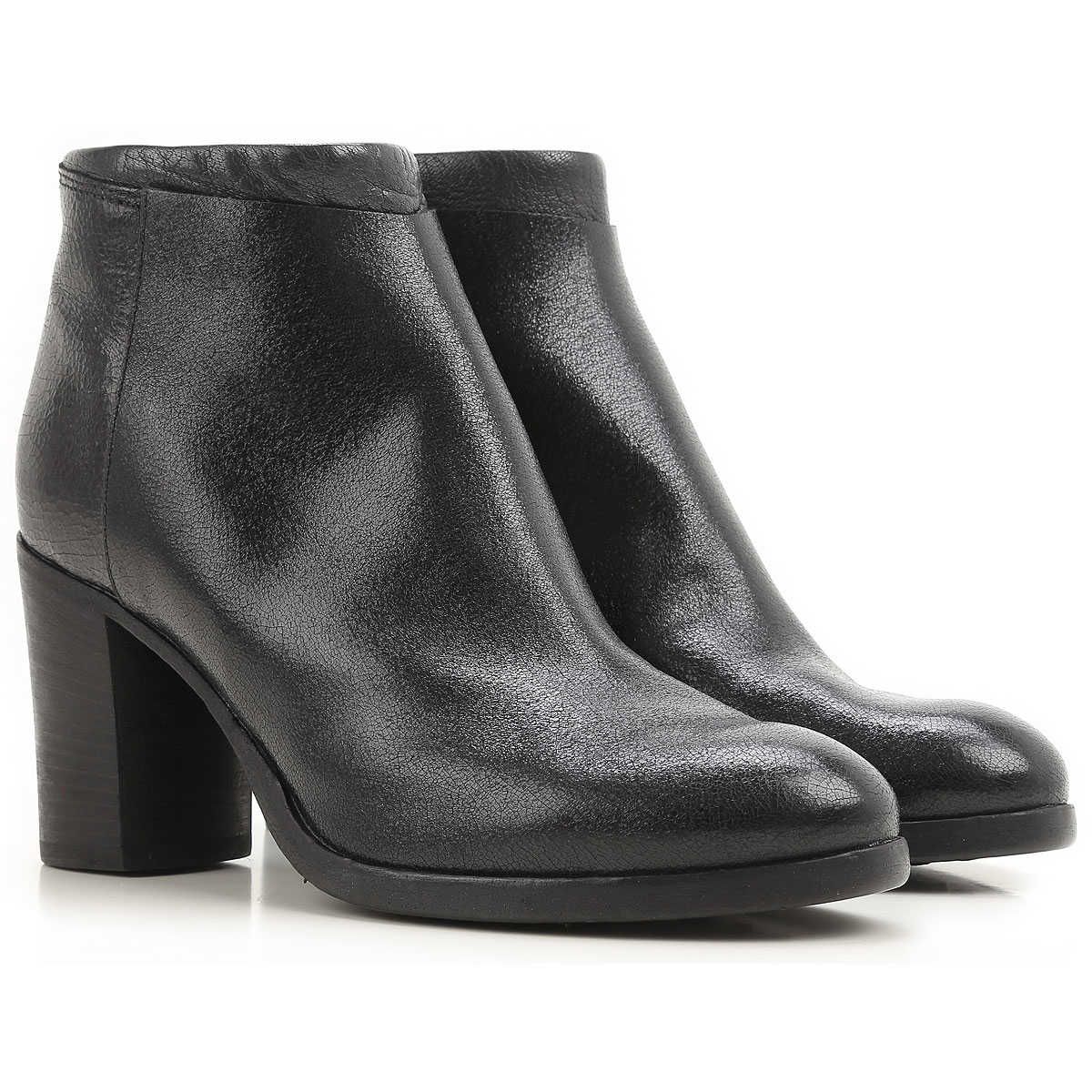 Moma Boots for Women