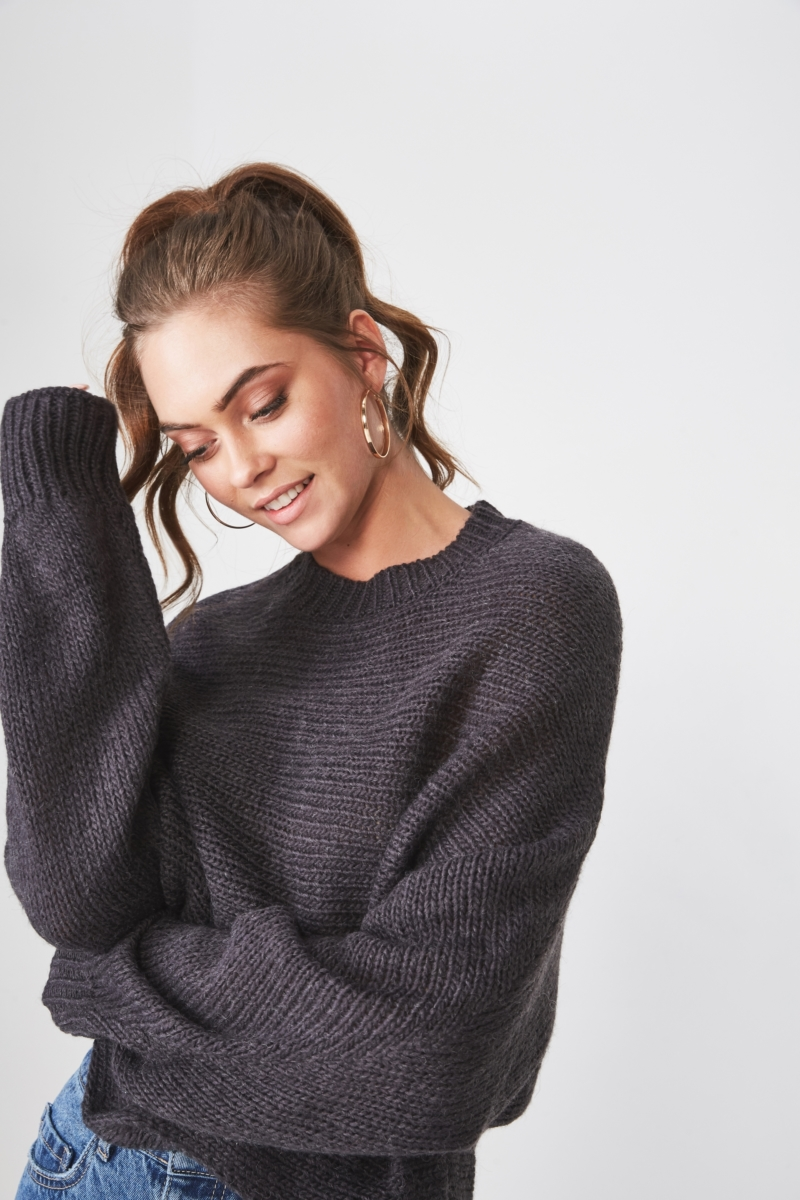 Supré - Elly Long Sleeve Crop Knit - Granite grey (w white) - Cotton On - GOOFASH