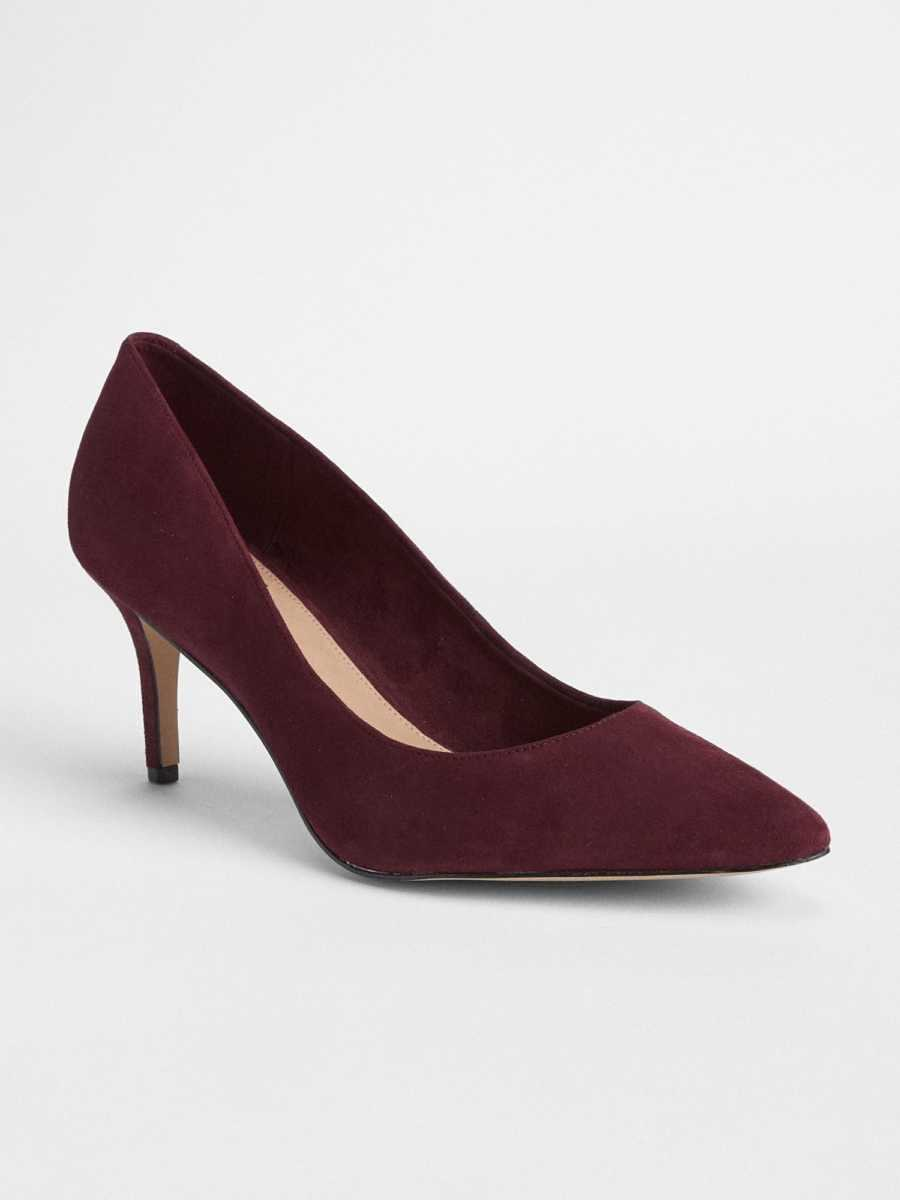 Classic Pumps in Suede Bordeaux Red - Gap - GOOFASH
