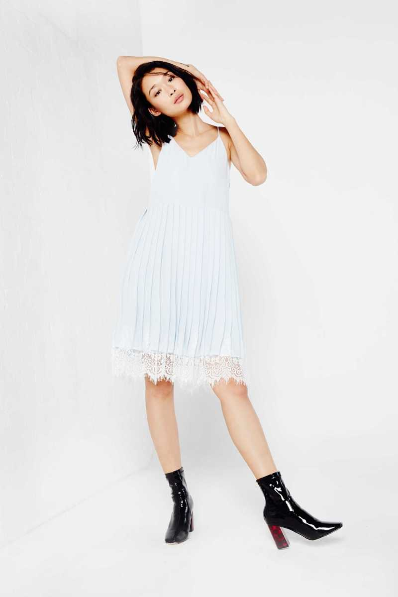 English Factory Pleated Dress With Lace Hem - Own The Look - GOOFASH