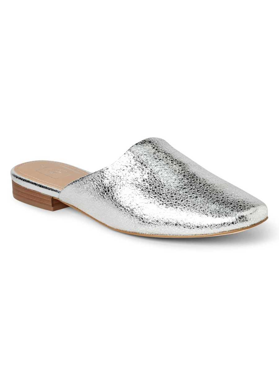 Flat Mules in Metallic Silver - Gap - GOOFASH