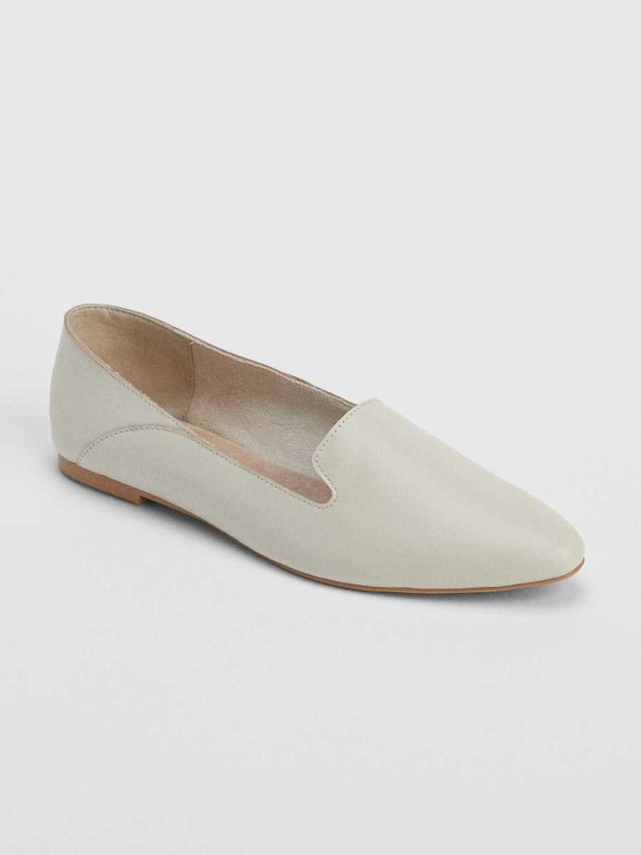 Leather Pointed Loafers Off White - Gap - GOOFASH