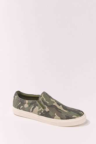 Mens Camo Print Slip-Ons at Forever 21  Olive/brown - GOOFASH