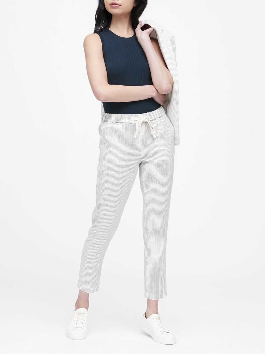 Petite Hayden Tapered-Fit Linen-Cotton Ankle Pant - Banana Republic - GOOFASH