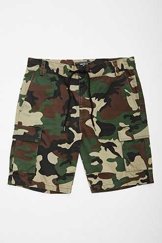 Camo Cargo Shorts at Forever 21 Olive/black - GOOFASH