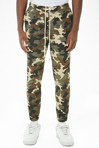 Elwood Twill Camo Joggers at Forever 21  Olive/brown - GOOFASH