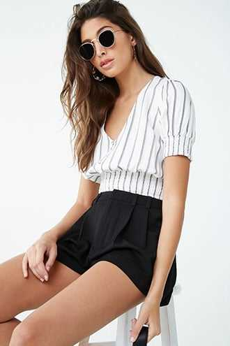 Forever 21 Front Pleated Shorts  Black - GOOFASH