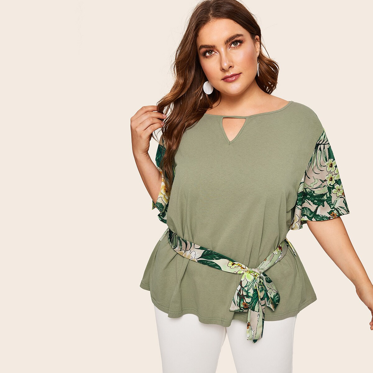 Plus Contrast Panel Floral Print Belted Tee - Shein - GOOFASH