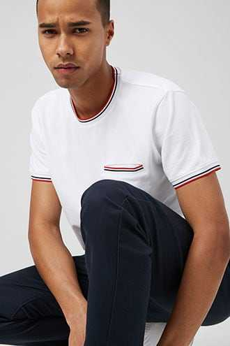 Striped-Trim Textured Pocket Tee at Forever 21  White/red - GOOFASH