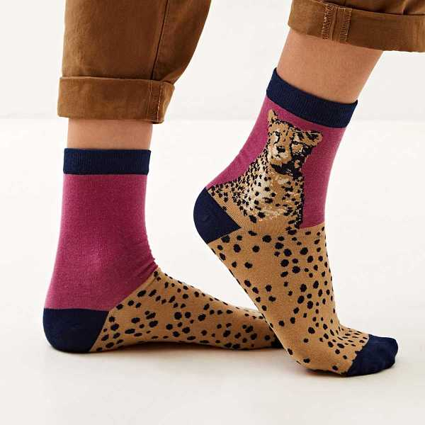Cheetah Pattern Socks 1pair in Multicolor by ROMWE on GOOFASH