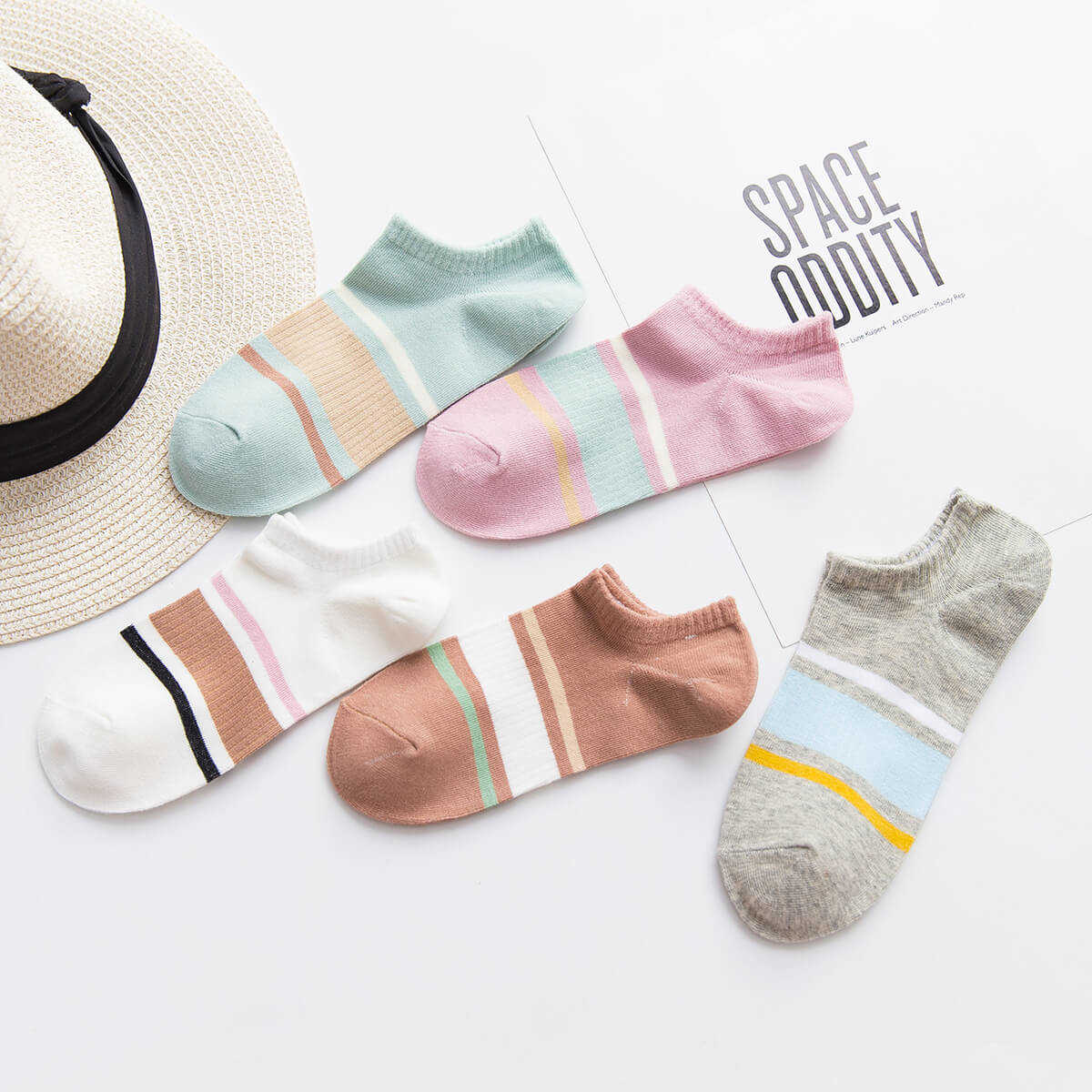 Color Block Invisible Socks 5Pairs in Multicolor by ROMWE on GOOFASH
