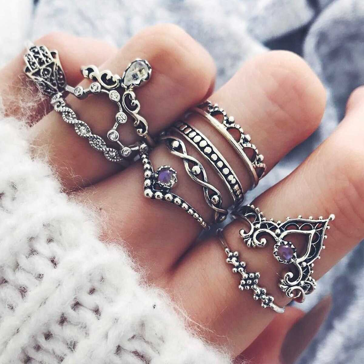 Crown Detail Vintage Rings Set 10pcs in Silver by ROMWE on GOOFASH