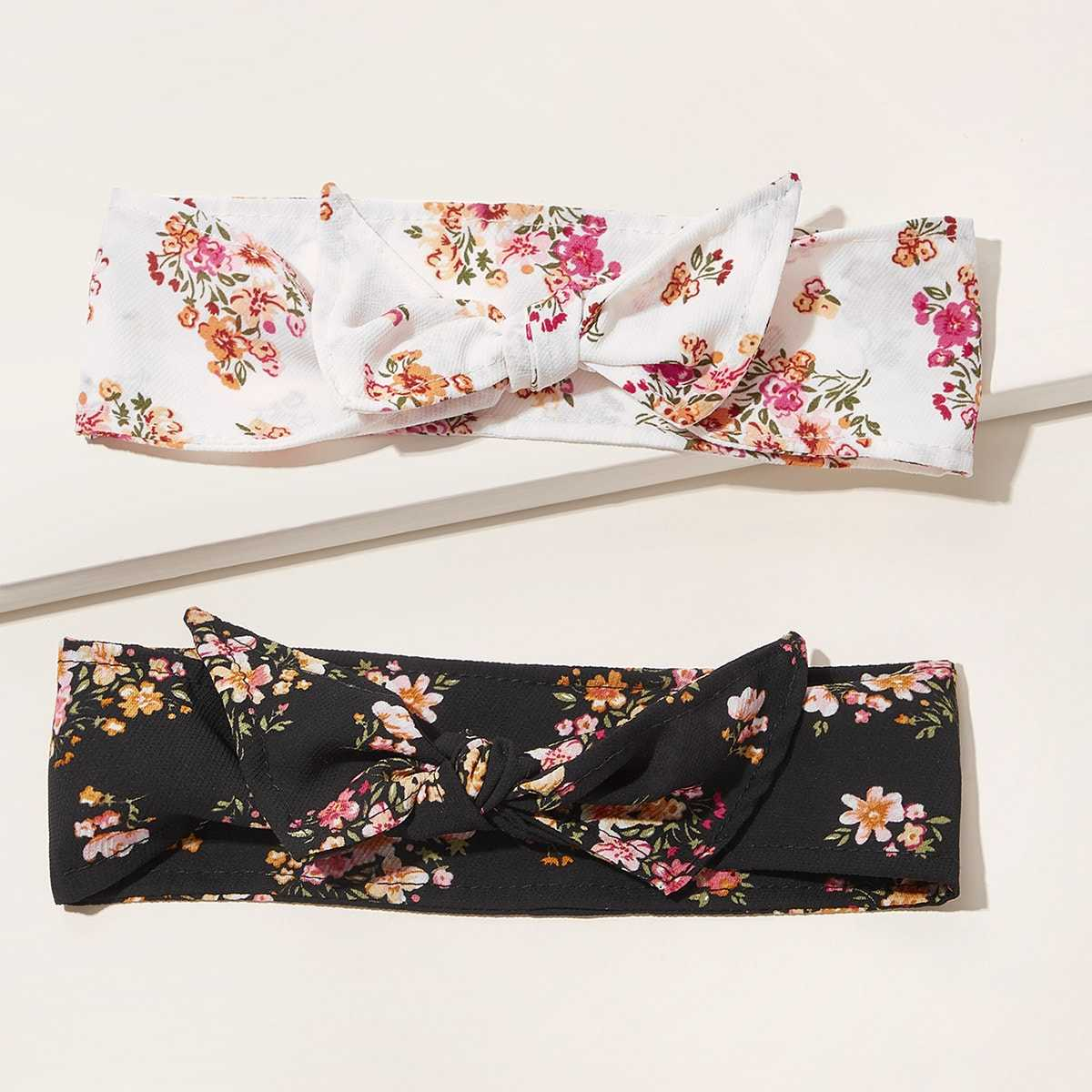 Ditsy Floral Pattern Headband 2pcs in Black and White by ROMWE on GOOFASH