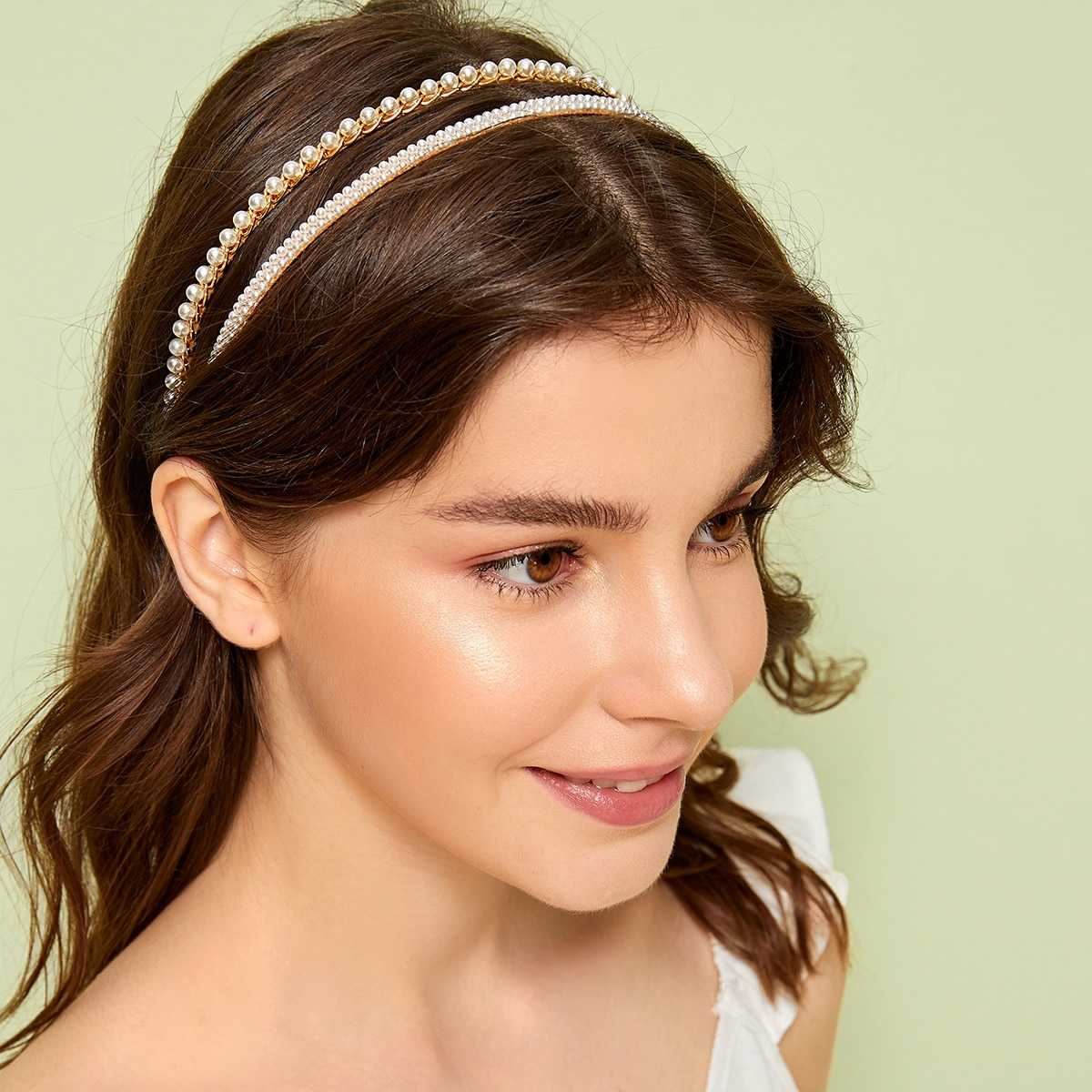 Faux Pearl Decor Headband 2pcs in Gold by ROMWE on GOOFASH