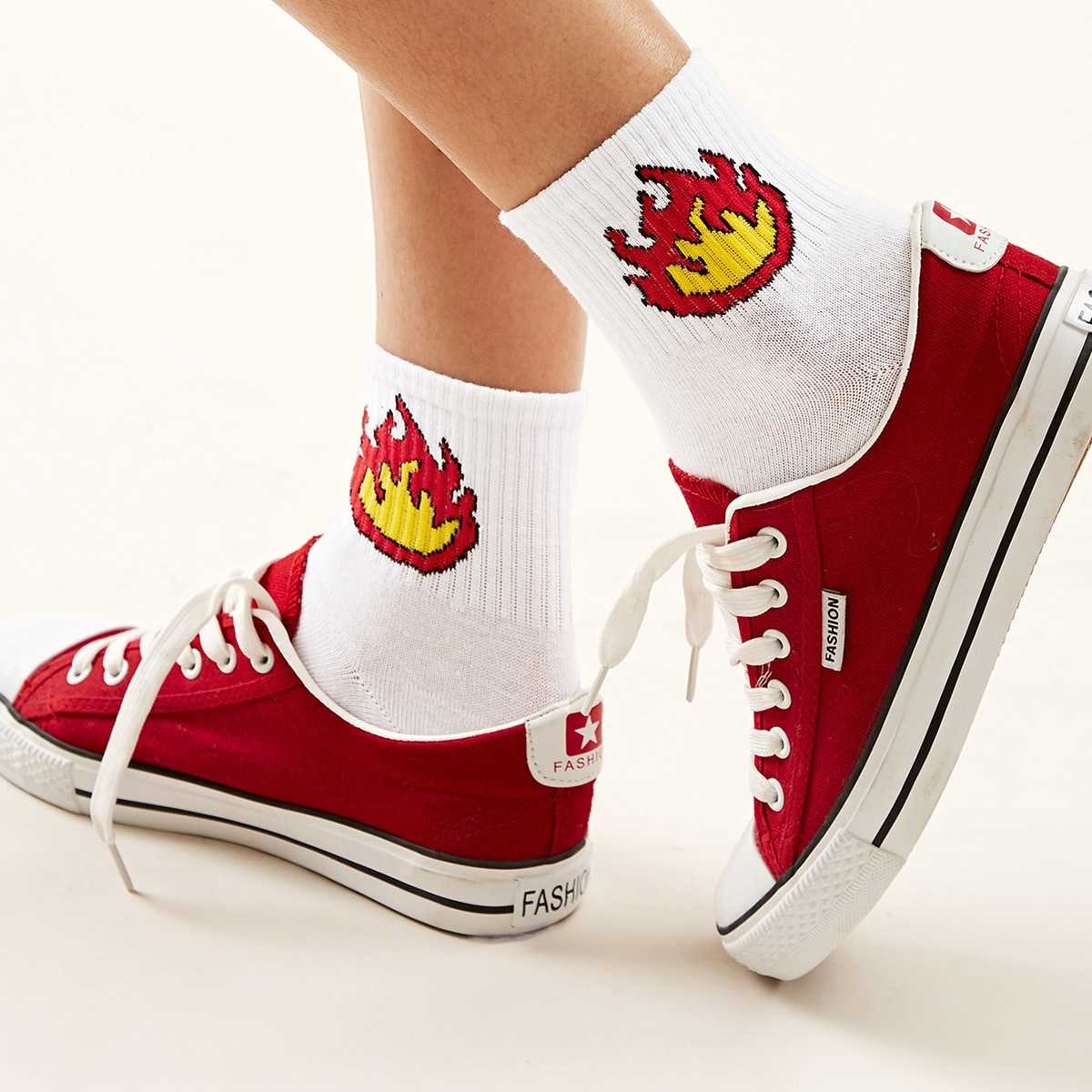 Flame Pattern Socks 1pair in White by ROMWE on GOOFASH