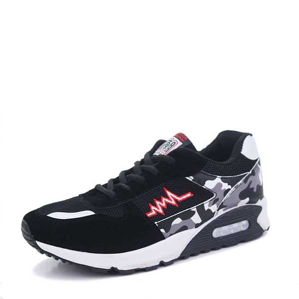 Guys Camouflage Print Suede Panel Trainers in Black by ROMWE on GOOFASH