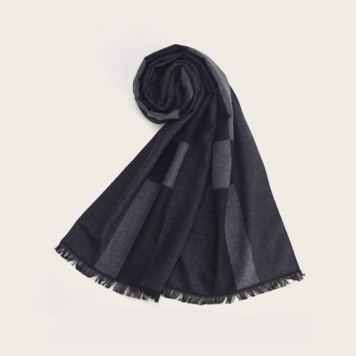 Guys Frayed Trim Plaid Scarf in Grey by ROMWE on GOOFASH