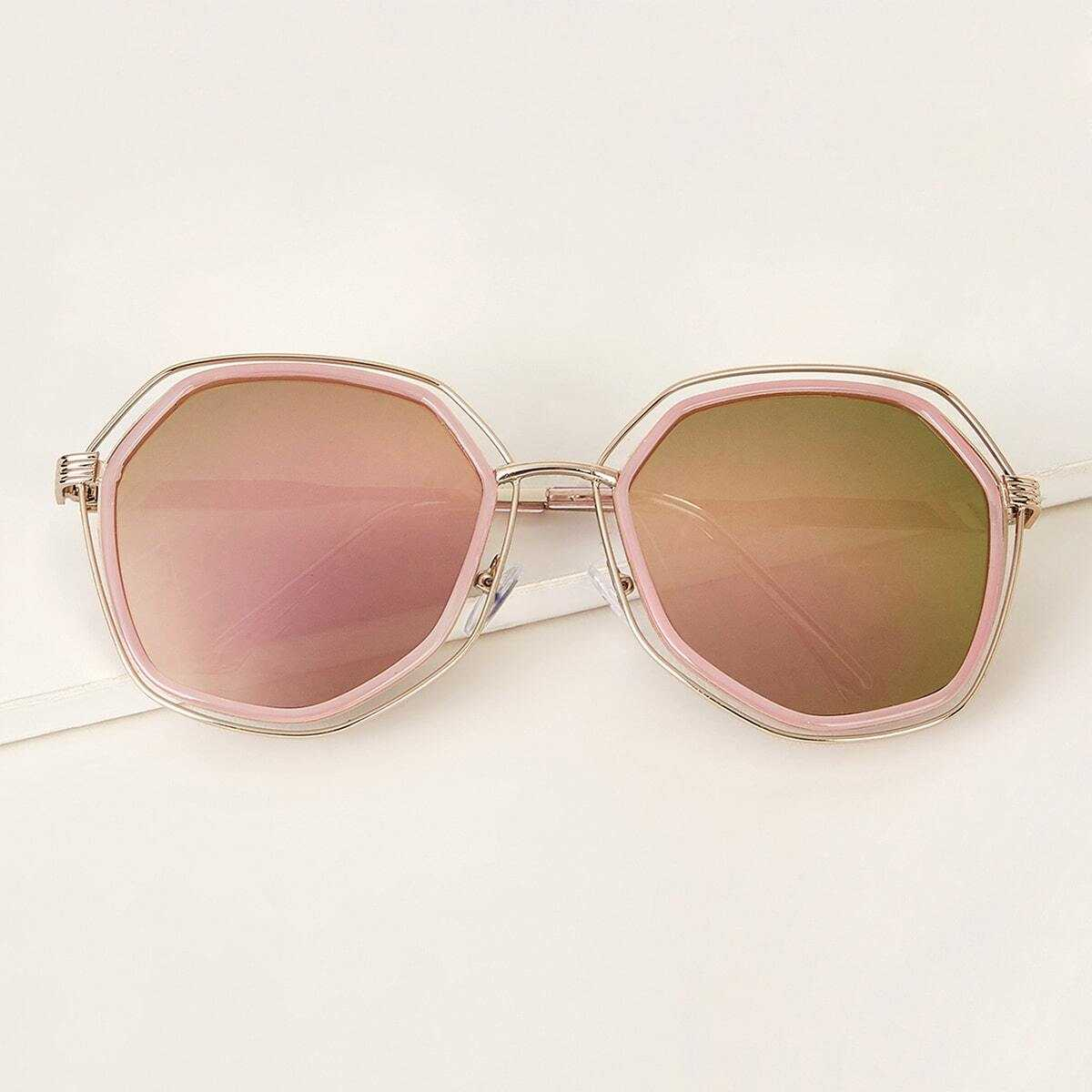 Irregular Frame Tinted Lens Sunglasses in Pink by ROMWE on GOOFASH