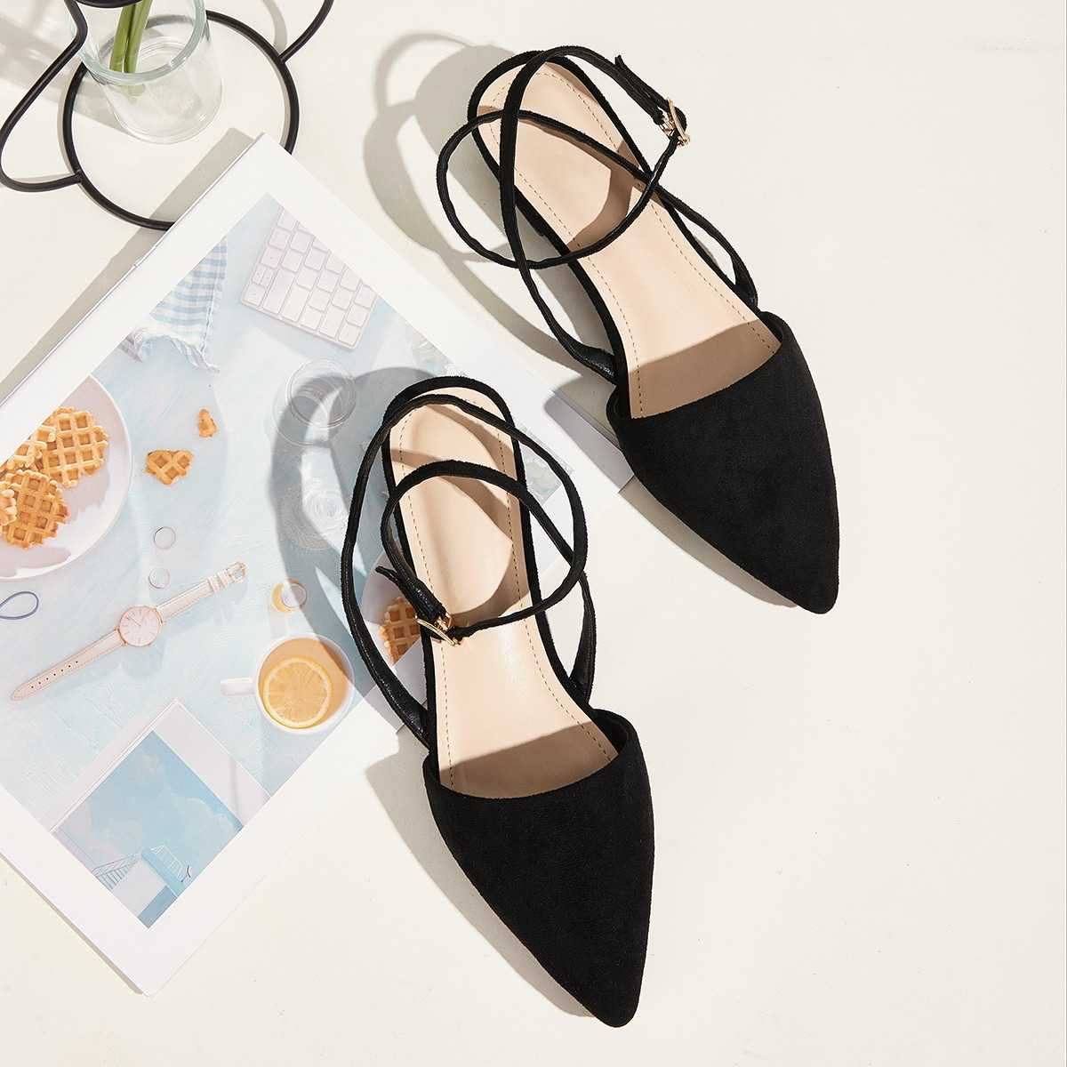 Point Toe Ankle Strap Flats in Black by ROMWE on GOOFASH
