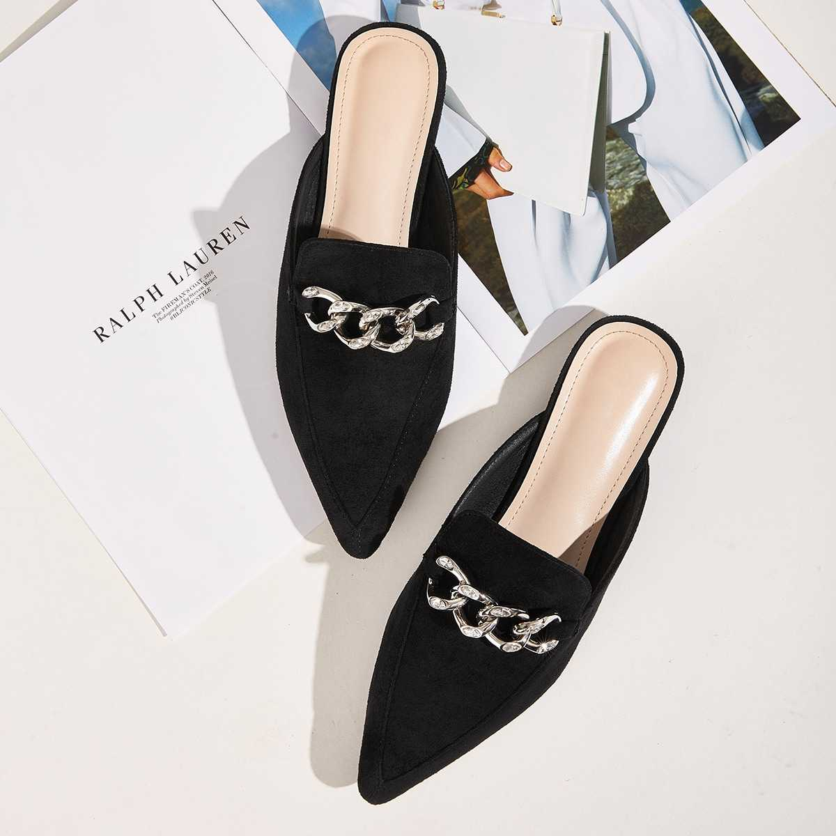 Point Toe Chain Decor Flat Mules in Black by ROMWE on GOOFASH