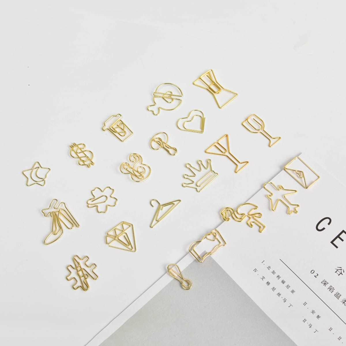 Random Creative Shaped Metal Paper Clip 4pcs in  by ROMWE on GOOFASH