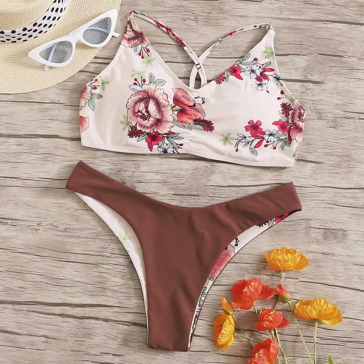 Random Floral Top With Hipster Cheeky Bikini Set in Multicolor by ROMWE on GOOFASH