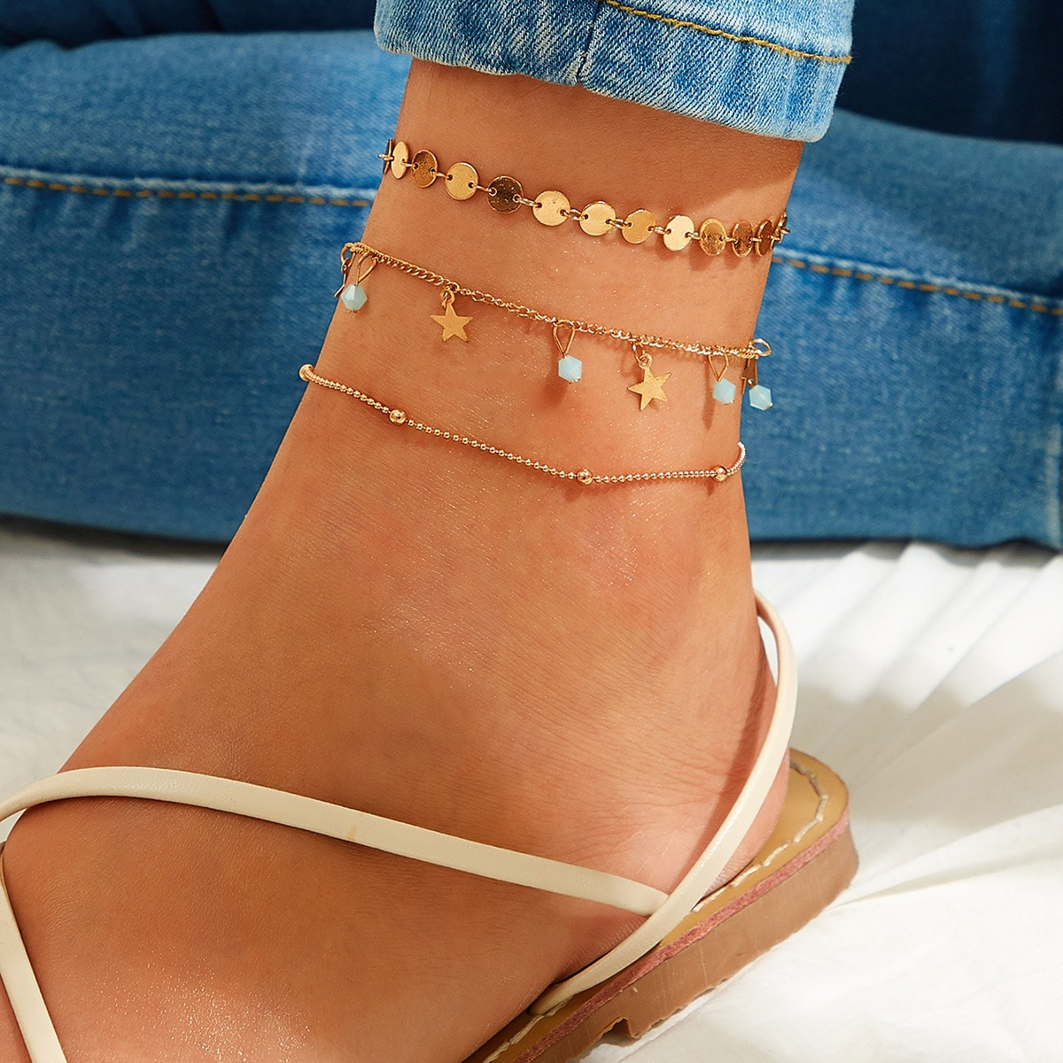 Star & Disc Decor Chain Anklet 3pcs in Gold by ROMWE on GOOFASH