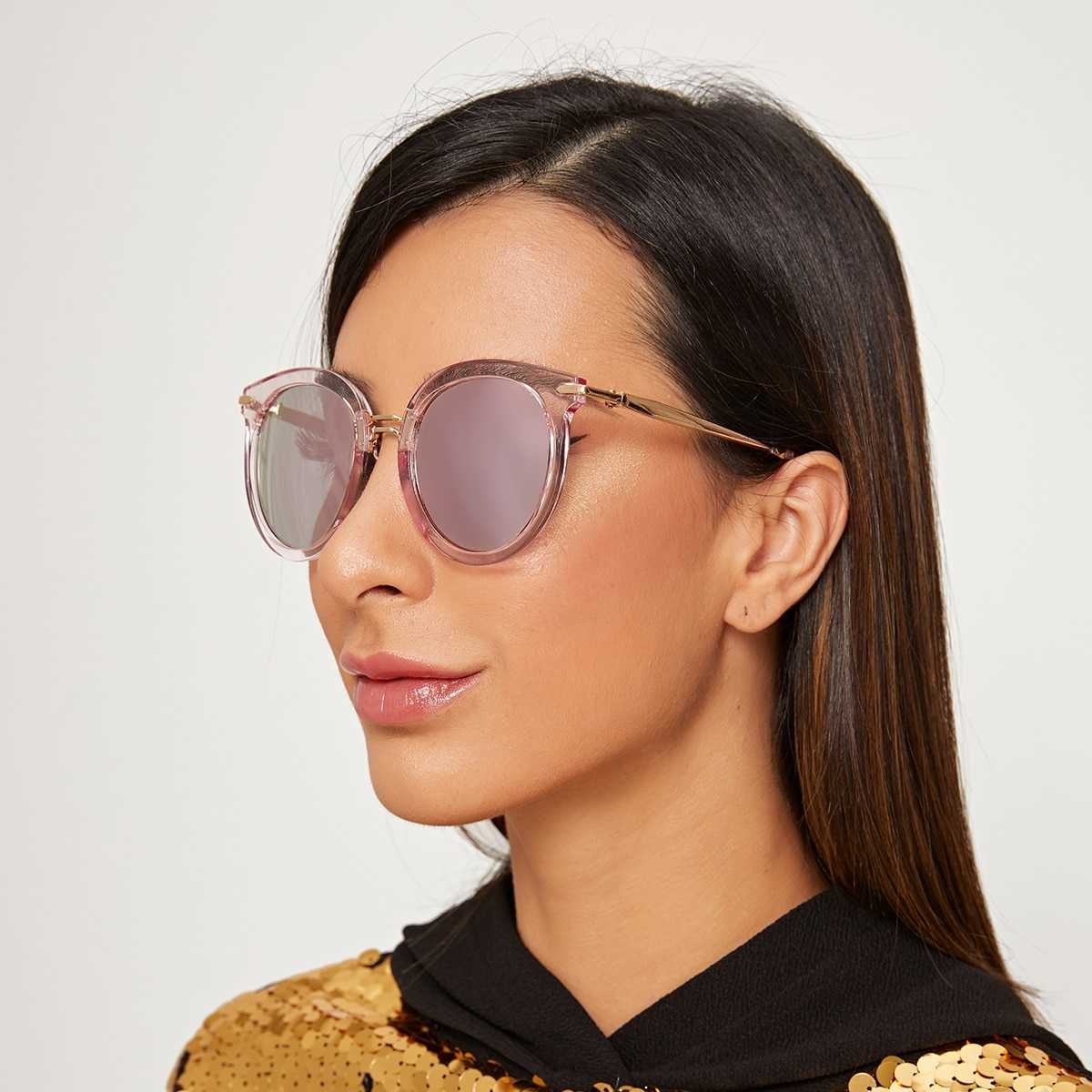 Two Tone Transparent Frame Sunglasses With Case in Pink by ROMWE on GOOFASH