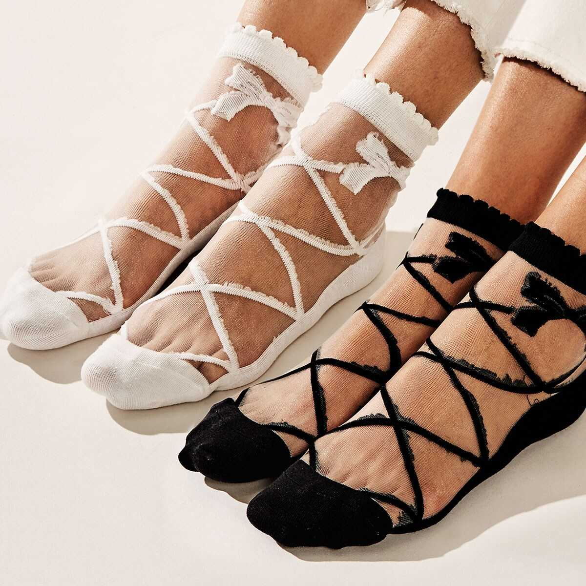 Bow Tie Decor Mesh Socks 2pairs in Black and White by ROMWE on GOOFASH