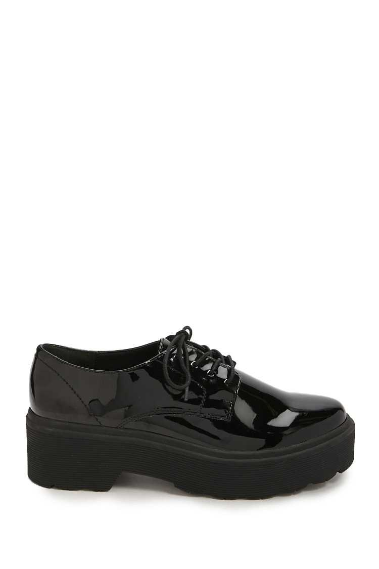 Forever21Women's Faux Patent Leather Shoes - Black UK - GOOFASH