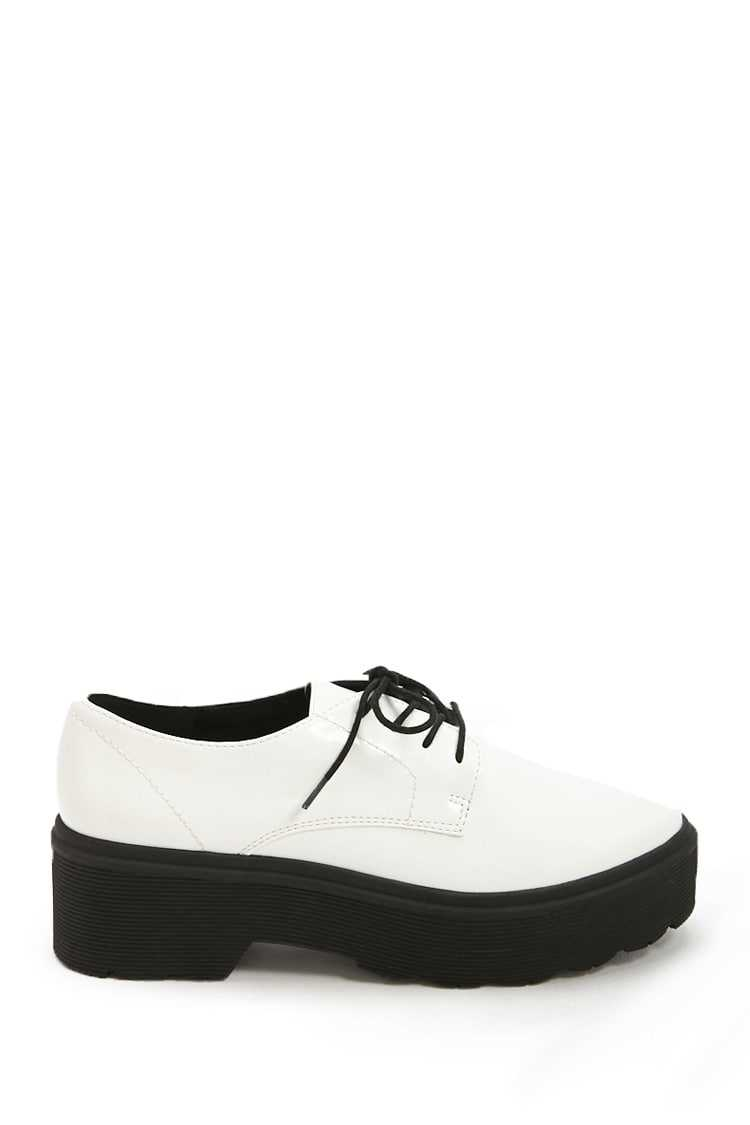 Forever21Women's Faux Patent Leather Shoes - White UK - GOOFASH
