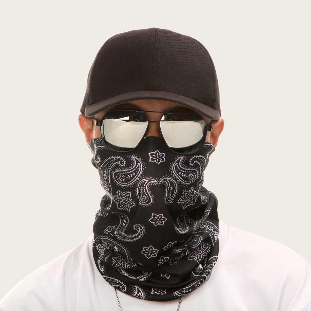 Guys Paisley Pattern Face Scarf in Black by ROMWE on GOOFASH