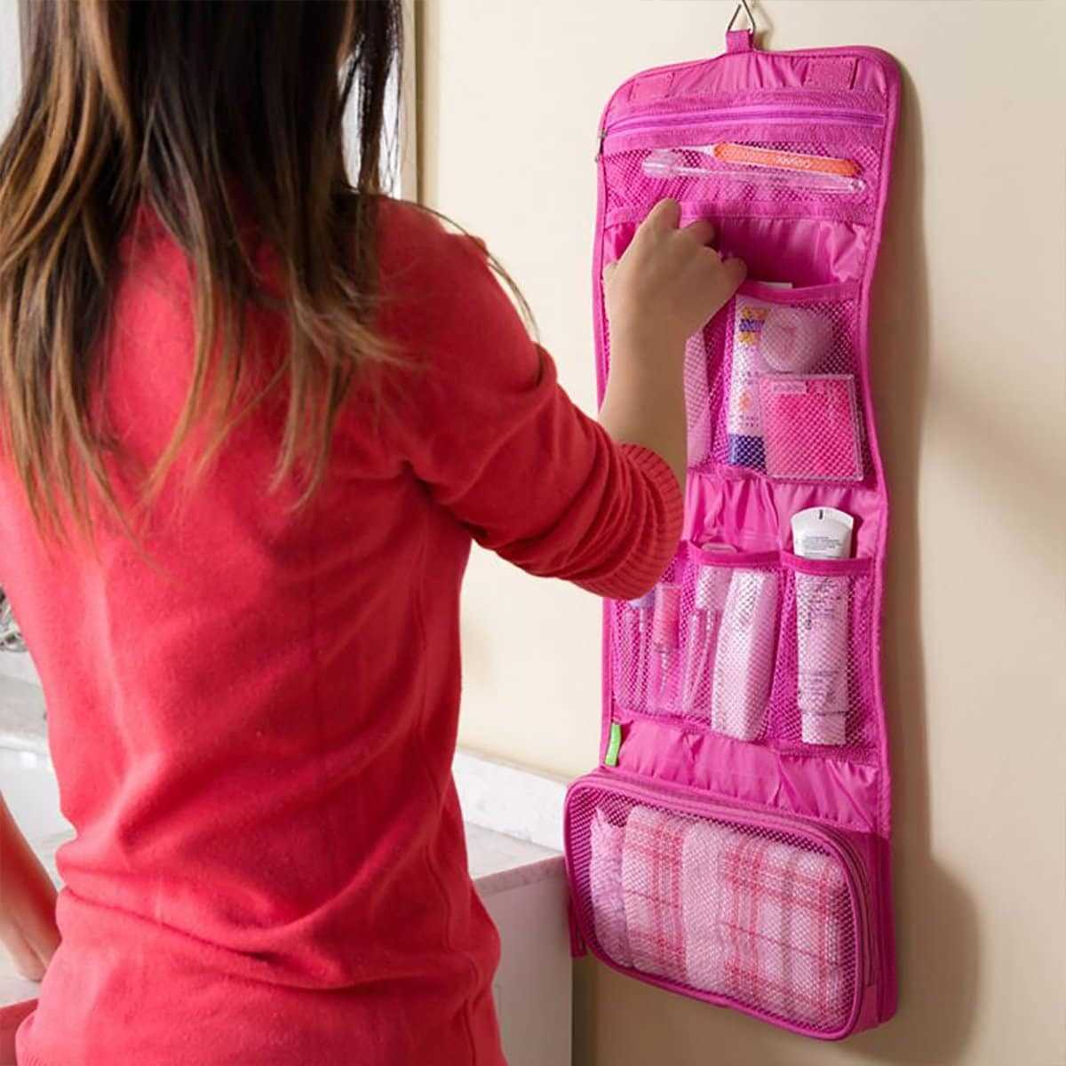 Hangable Roll-up Travel Storage Bag in Pink by ROMWE on GOOFASH
