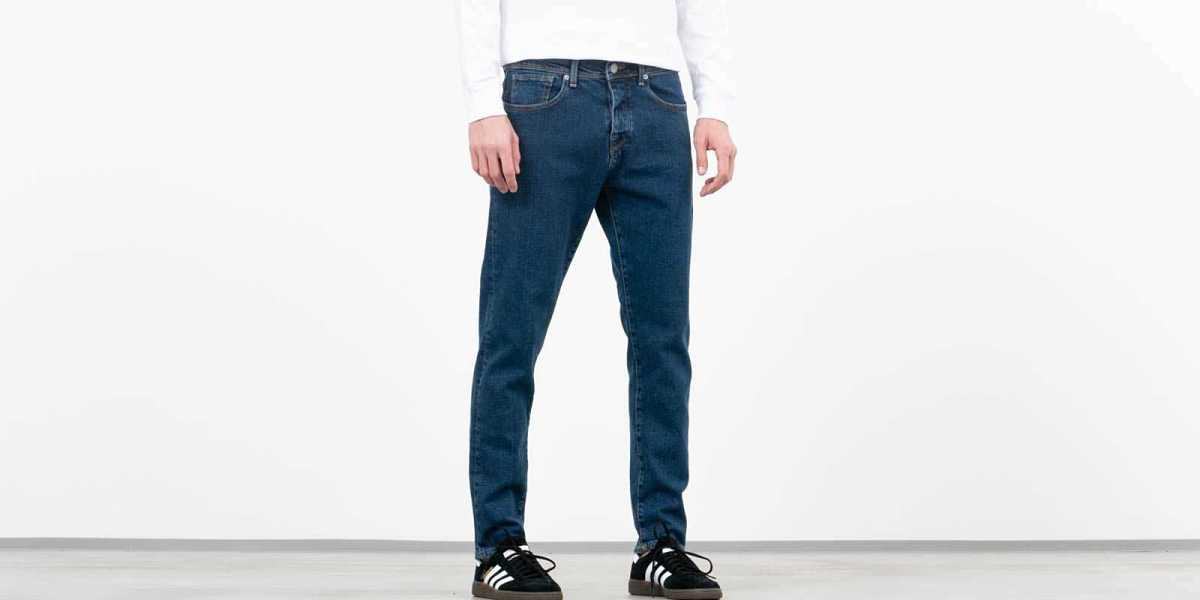 SELECTED Tapered Toby Jeans Blue UK - GOOFASH