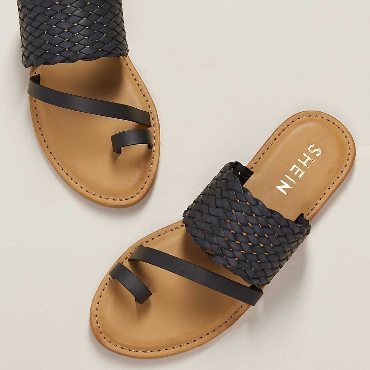 Wide Woven Band Toe Loop Flat Slide Sandals in Black by ROMWE on GOOFASH