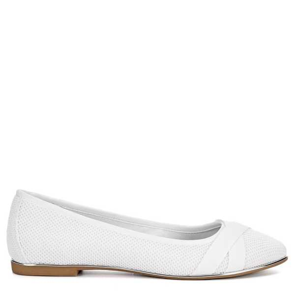 Xappeal Womens Mitzie Flats Shoes White USA - GOOFASH