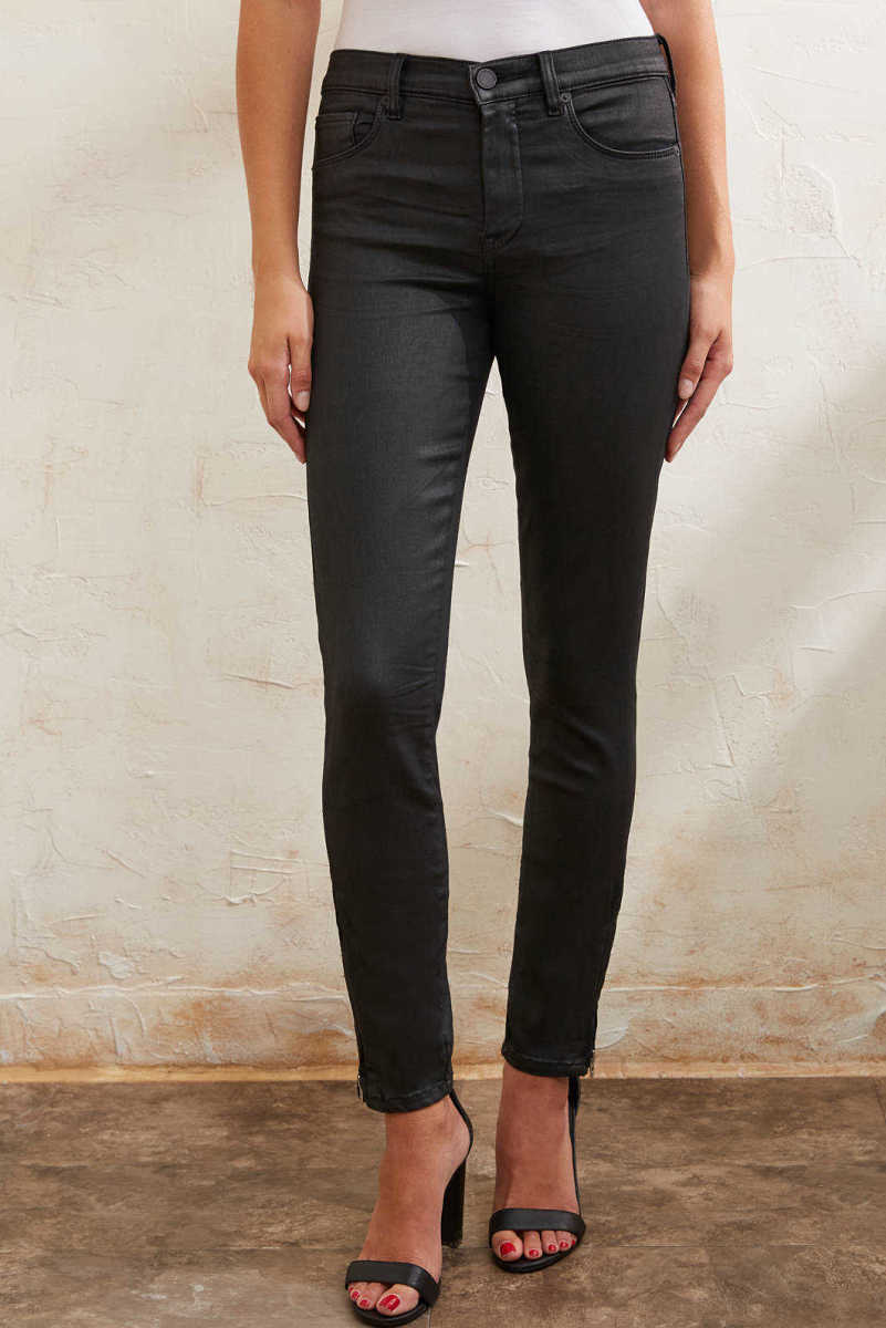 Blank NYC The Bond Coated Skinny Jean in Spartacus Black 30 USA - GOOFASH