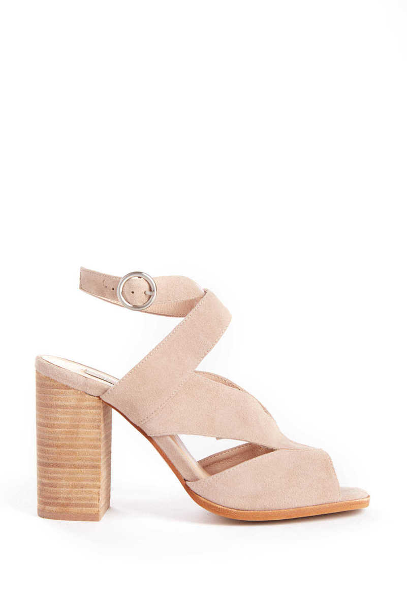Chinese Laundry Cut Out Stacked Heel Sandal Grey 9.5 USA - GOOFASH