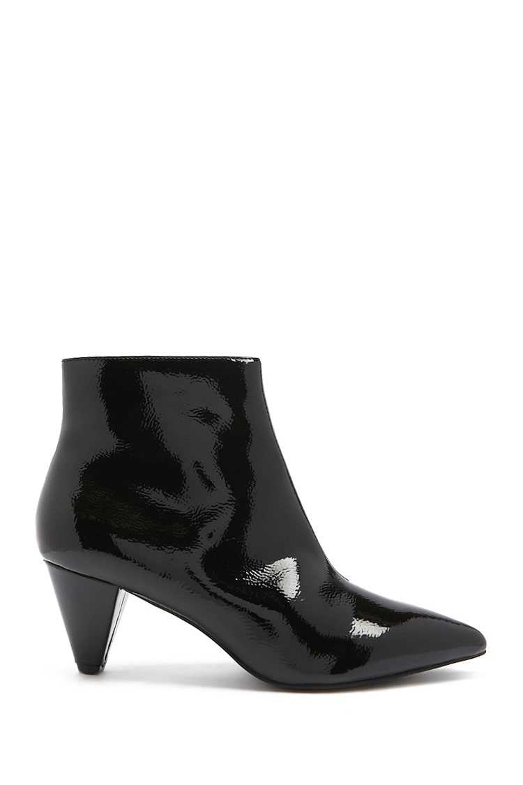 Forever21Women's Faux Patent Leather Booties - Black UK - GOOFASH