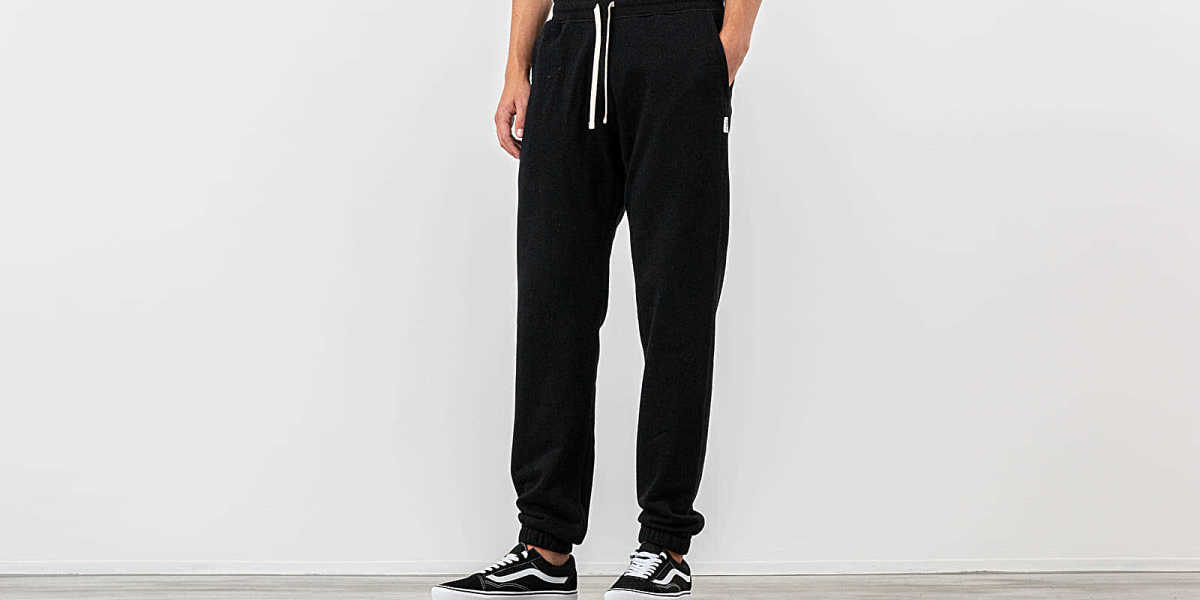 Reigning Champ Mid Weight Terry Cuffed Sweatpants Black HU - GOOFASH - Mens TROUSERS