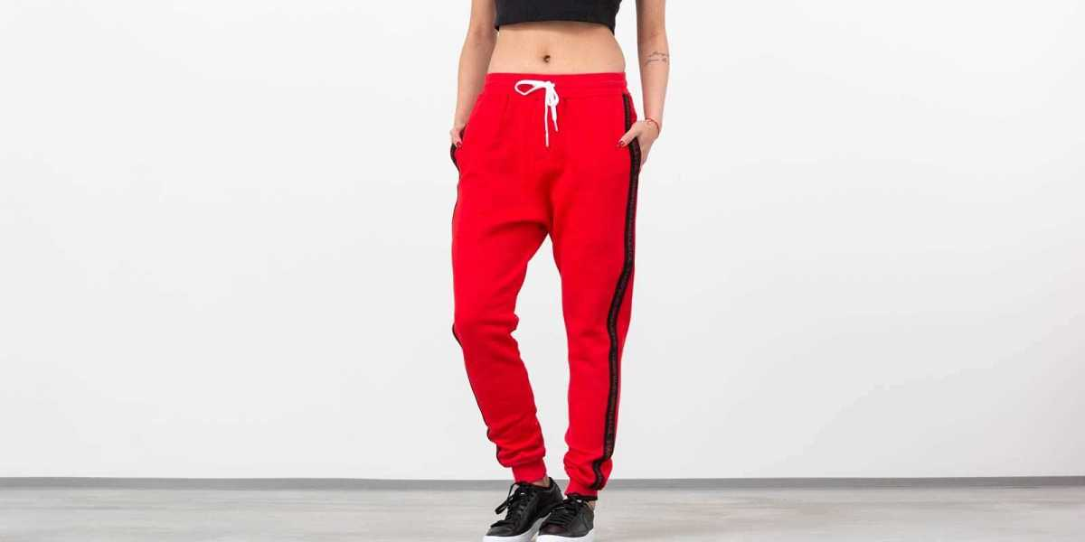 STAMPD Operation Jogger Red HU - GOOFASH - Mens TROUSERS